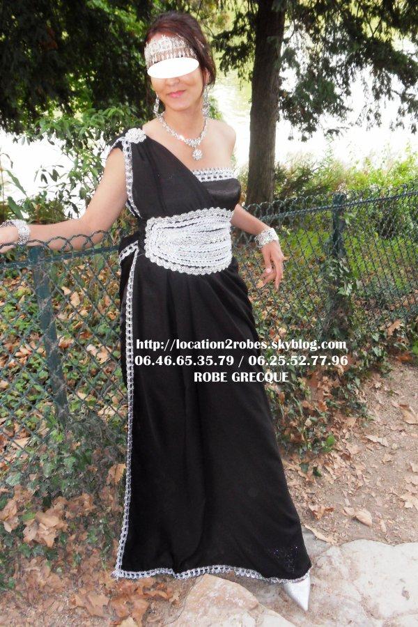 ROBE KABYLE GRECQUE NOIR ET ARGENT - Location de robes prestigieuses